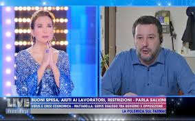 Live, Barbara d'Urso e Matteo Salvini recitano l'Eterno riposo in ...