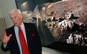 È morto Gene Cernan, ultimo astronauta a camminare sulla luna