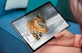 Android tablet segment with Tab P11 Pro ...
