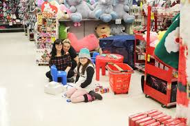 Red Apple hosts kid's shopping day – The Free Press
