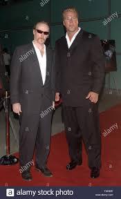 LOS ANGELES, CA. April 12, 2004: Actor KEVIN NASH (right ...