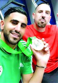 صور مضحكة جزائرية كرة القدم يا لها من مضحكة صباح الورد