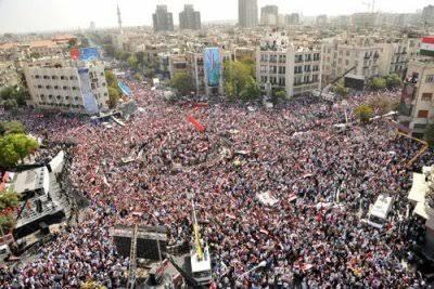 """Resultado de imagem para Manifestação monstra em Damasco, a 12 de Outubro de 2011, agradecendo à Rússia e à China que interromperam a agressão ocidental opondo o seu veto no Conselho de Segurança."""""""