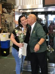 Making people smile with Lisa's roses | News | dailylocal.com