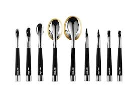 makeup brush brand artis expands to canada