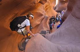 Photo Group Entering Lower Antelope Canyon Powell Arizona Usa Ken S Tours Lower Antelope Canyon Page Tripadvisor
