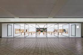 Maine Mall - Apple Store - Apple