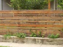 Horizontal Wood Fence Gate And Horizontal Wood Slat Fence Garden And Outside Stuff Wood Fence Design Backyard Fences Fence Design