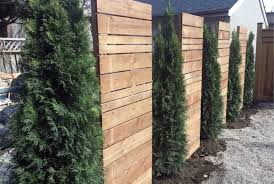 Top 50 Best Privacy Fence Ideas Shielded Backyard Designs Backyard Fences Backyard Design Privacy Landscaping
