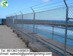 Guangzhou Hot Sale Pvc Coated Chain Link Fence Cyclone Wire Fence Price Philippines Images Chain Link Fence Of 159030529