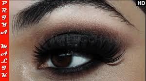 2 min easy black smokey eyes for