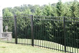 2 Popular Backyard Black Aluminum Fence Designs Aluminum Fence Fence Design Backyard Fences