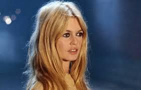 Et Brigitte Bardot créa l'icône de la mode, BB