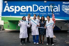 Aspen Dental doctors provide free dental care to local Chicago veterans
