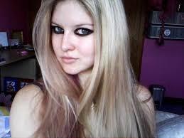 avril lavigne black and red make up