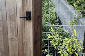 Hardscaping 101 Hog Wire Fence Gardenista