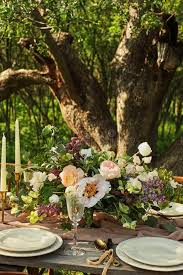 table decor wedding dinner in nature