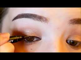 step by step modern geisha makeup look