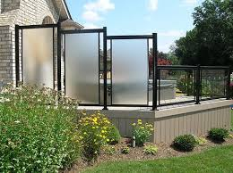 privacy screen aluminum with glass