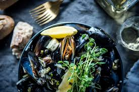 Butter and White Wine Mussels with ...