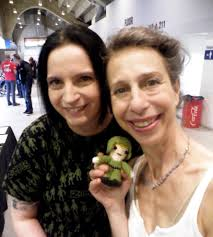 """Faye Pickering on Twitter: """"With the really sweet Colette Hiller from  Aliens and the mini-Ferro doll I made for her 😄 #crochet #Aliens #ferro… """""""