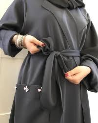 عباية سوارفسكي لون رمادي الحزام اختياري العبايه تنلبس بحزام أو