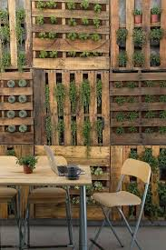 8 Inventive Pallet Fence Ideas Houspire