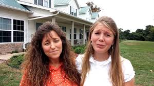 Michelle Duggar & Priscilla Waller Give Encouragement to Mothers and  Daughters - YouTube