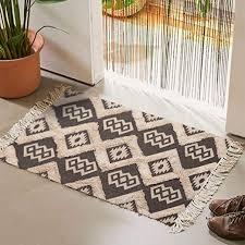 com tufted cotton area rug 2 x