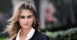 Chi è Cristina Marino, l'attrice e modella fidanzata con Luca ...
