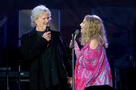 Barbra Streisand and Kris Kristofferson Perform 'Lost Inside of ...
