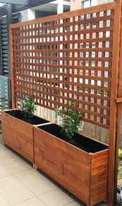 Backyard Privacy Fence Landscaping Ideas On A Budget 151 Privacylandscape Landscapeonabudg Privacy Fence Landscaping Garden Planter Boxes Privacy Landscaping