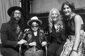 Sean Lennon, Yoko Ono, Patti Smith and Jesse Smith - ABC News ...