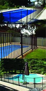 Here We Have A Look At 27 Innovative Pool Fencing Ideas For Residential Houses Sharing Some Innovative Enjoy Pool Fence Fence Design Modern Fence Design