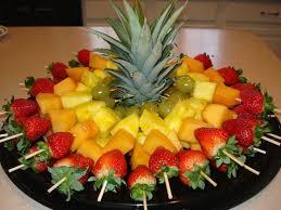Resultado de imagem para decoração de mesas de  frutas natal