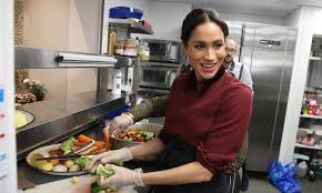 meghan markle volunteers incognito at