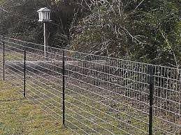 Field Fence T Post Jpg 400 300 Dog Fence Diy Dog Fence Farm Fence