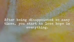 bukan benci yang membuat kita menjauh dari seseorang tapi kecewa