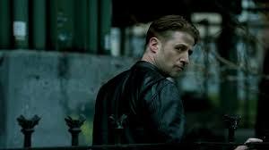 Recap: Benjamin McKenzie on Detective James Gordon   Season 3 ...