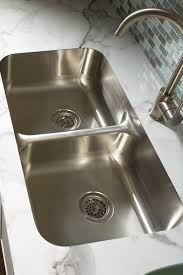 undermount sink with a laminate