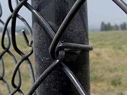 Black Pvc Coated Aluminum Chain Link Fence Ties 100 Count Pack 6 1 2 Inch Long 9 Gauge Tie Wire Amazon Com Au Home Improvement