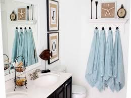 how to create beach bathroom décor