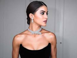jewelry to wear with an evening gown