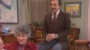Bill Macy stars in sitcom 'Maude' as Walter Findlay | Videos | Express ...