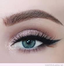makeup for blue eyes green dress