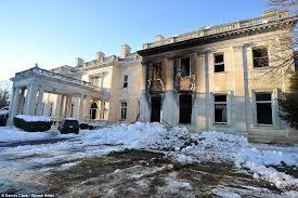blaze destroys woolworth mansion