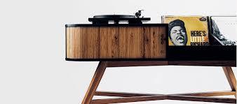 the hrdl vinyl table is a mid century