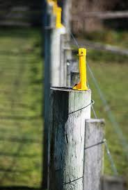 Insulators For Wood Posts Red Snap R Electric Fencing Systems