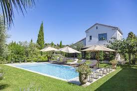 villas to in cap d antibes france