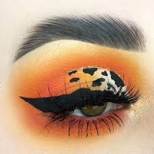 print eye makeup cat eye makeup